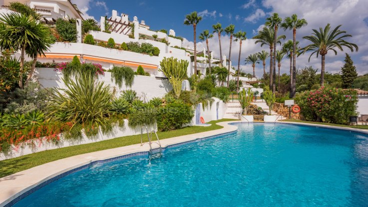 Golden Mile Apartment in Gated Community - Apartment for sale in Ancon Sierra, Marbella Golden Mile
