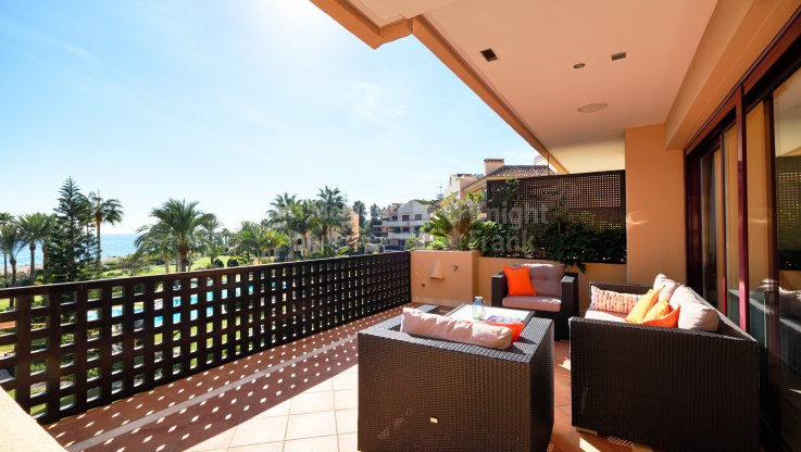 Spectacular Front Line Beach Apartment - Apartment for sale in Costalita, Estepona