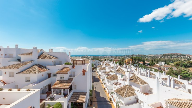 Duplex Apartment in the Golf Valley - Duplex for sale in Nueva Andalucia