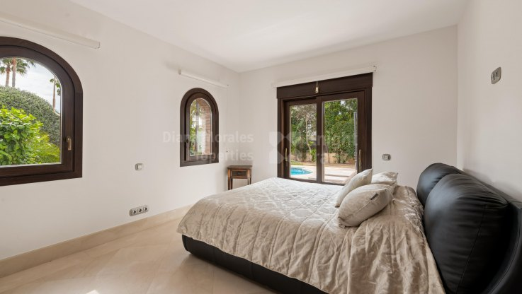 Villa close to golf - Villa for sale in Las Brisas, Nueva Andalucia