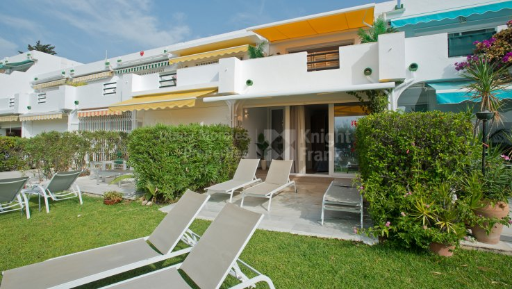 Townhouse in Frontline Golf Complex in Aloha - Town House for sale in Aloha, Nueva Andalucia