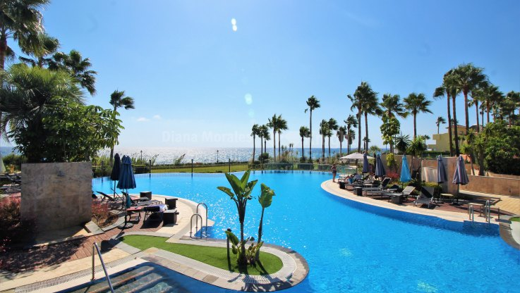 Estepona, Front Line Beach Resort
