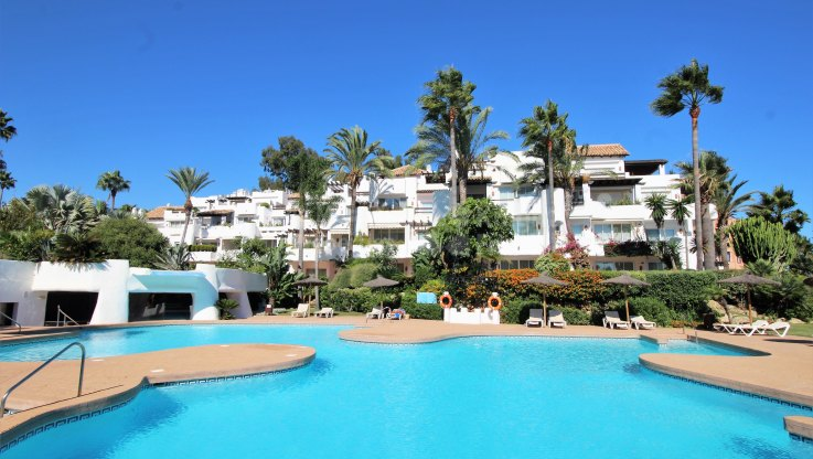 Ground floor apartment right on the Sea - Ground Floor Apartment for sale in Ventura del Mar, Marbella - Puerto Banus