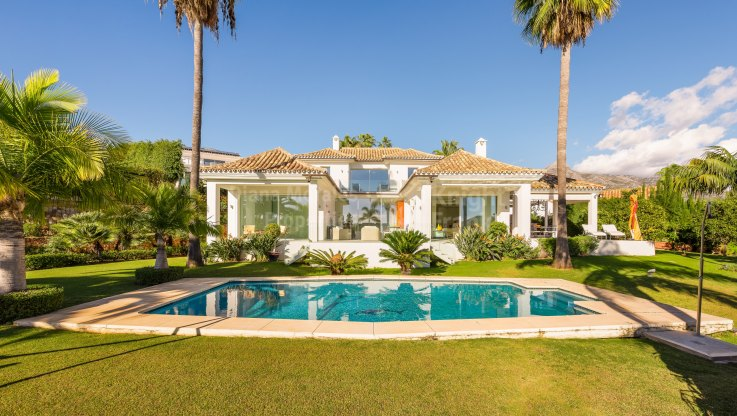 Villa in the heart of the Golf Valley - Villa for sale in Nueva Andalucia