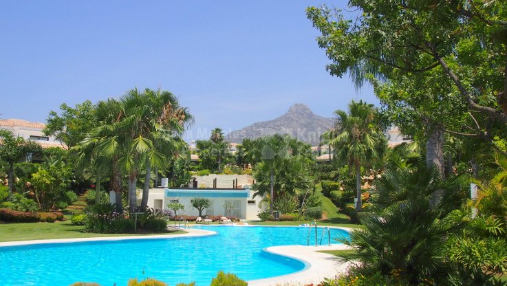 Southeast Facing Villa in the Golden Mile - Villa for sale in Las Lomas del Marbella Club, Marbella Golden Mile