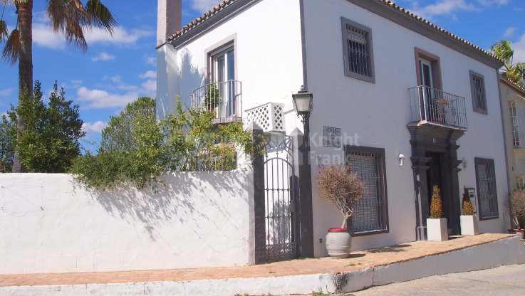 Andalusian Village Style - Town House for sale in La Heredia, Benahavis