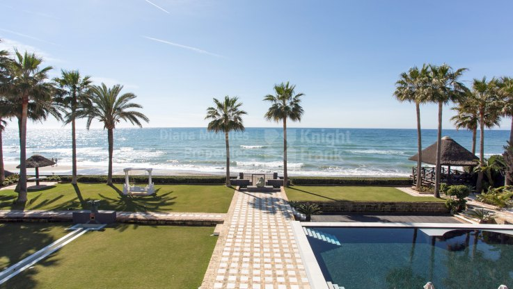 Los Monteros, Sea Front Estate