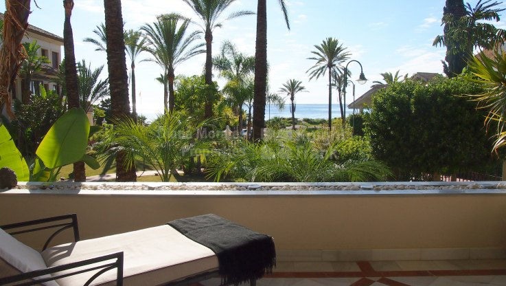 Los Monteros Playa, Beachfront three bedroom property