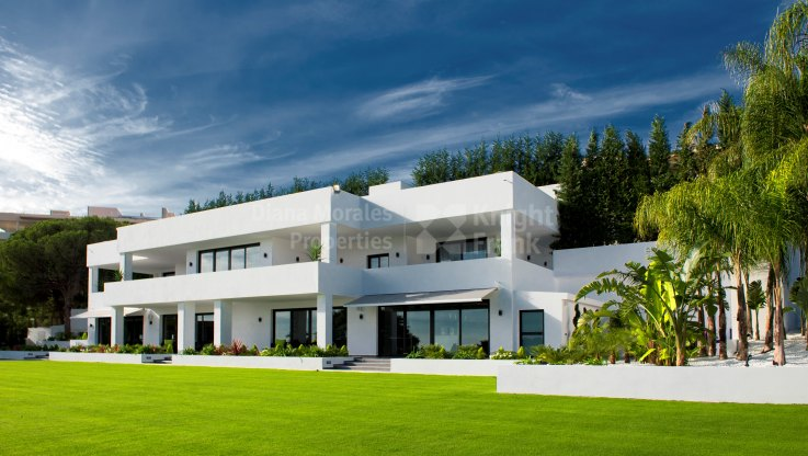Contemporary Elegance - Villa for sale in Nueva Andalucia