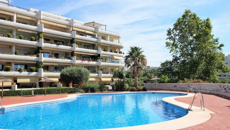 Golf Views From The Terrace - Apartment for sale in Guadalmina Alta, San Pedro de Alcantara