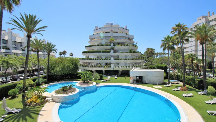 Marbella Centro, Modern Beachside Apartment