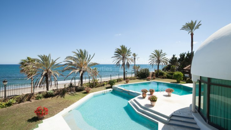 Imposing Frontline Beach Villa - Villa for sale in Beach Side Golden Mile, Marbella Golden Mile