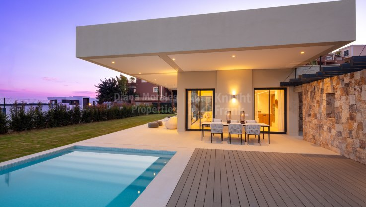 Nueva Andalucia, Modern Development of Villas in the Golf Valley