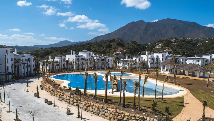 El Mirador de Estepona, 87-Unit development with sea views