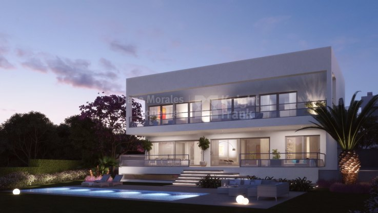 Loma de Casasola - Beachside Development of Modern Villas