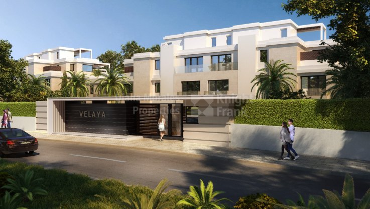 Spectacular semi-detached villa under construction on the seafront - Semi Detached Villa for sale in New Golden Mile, Estepona