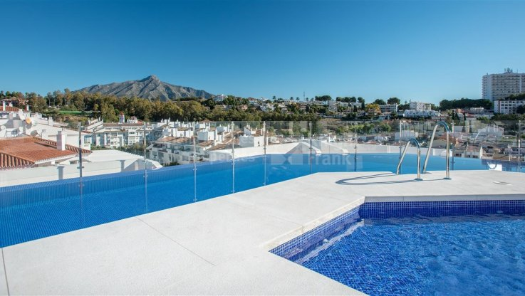 Penthouse in a recently built building near all kinds of services - Apartment for sale in Nueva Andalucia