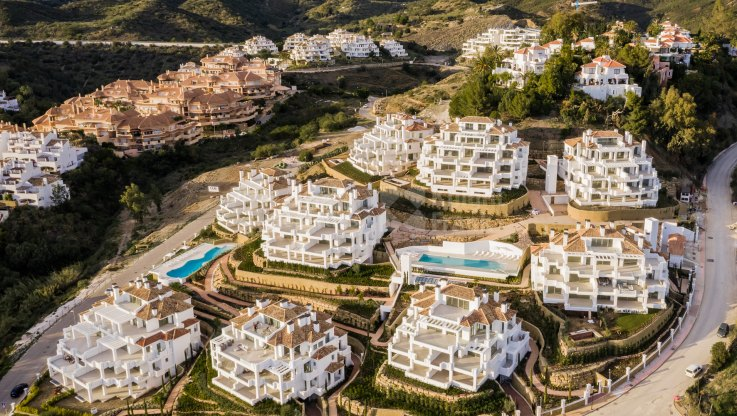 Nueva Andalucia, Apartments in the heart of the Marbella's Golf Valley