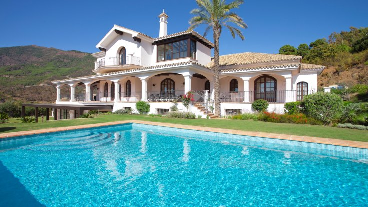 Attractive Property Merged into the Nature - Villa for sale in La Zagaleta, Benahavis