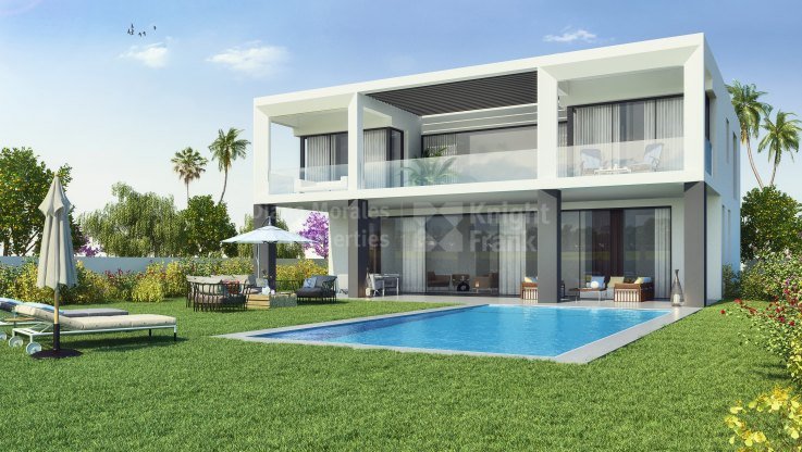 Marbella - Puerto Banus, Gated complex of 10 villas in second line of the beach