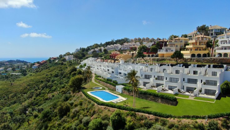 La Mairena, 3 bedroom townhouses with panoramic views