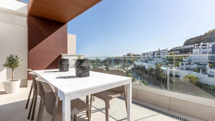 Three bedroom aparment with sea and golf views - Ground Floor Apartment for sale in Las Colinas de Marbella, Benahavis