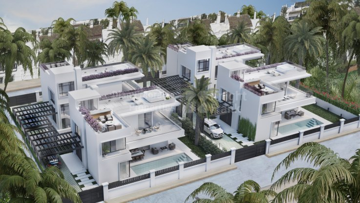 Marbella Golden Mile, Villas under construction just steps from the beach