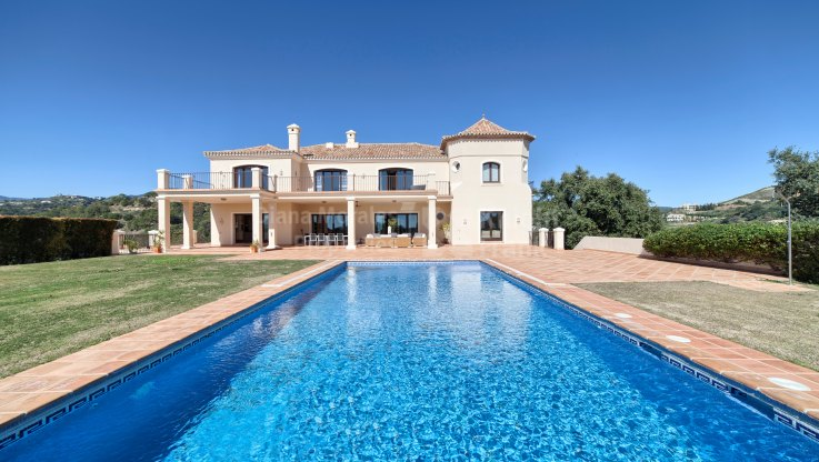 Marbella Club Golf Resort, Villa With Panoramic Views Within Gated Community