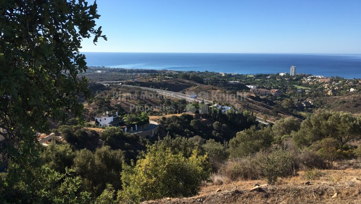 Plot with sea views - Plot for sale in Los Altos de los Monteros, Marbella East