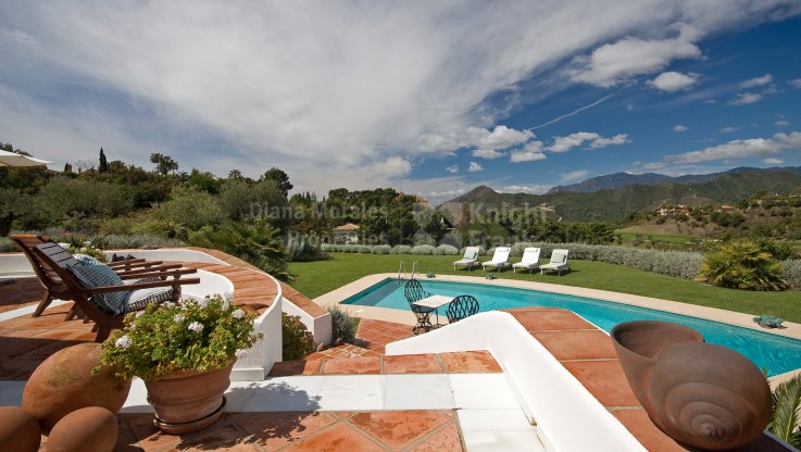 Beautiful Andalusian villa surrounded by nature and privacy - Villa for sale in La Zagaleta, Benahavis
