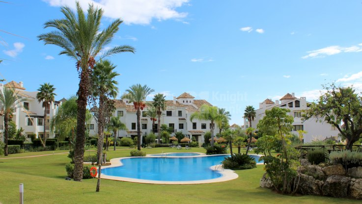 Mirador del Paraiso, Apartment in a gated community