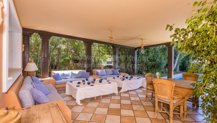 Private Villa Fronting Golf and Sea - Villa for sale in Guadalmina Baja, San Pedro de Alcantara