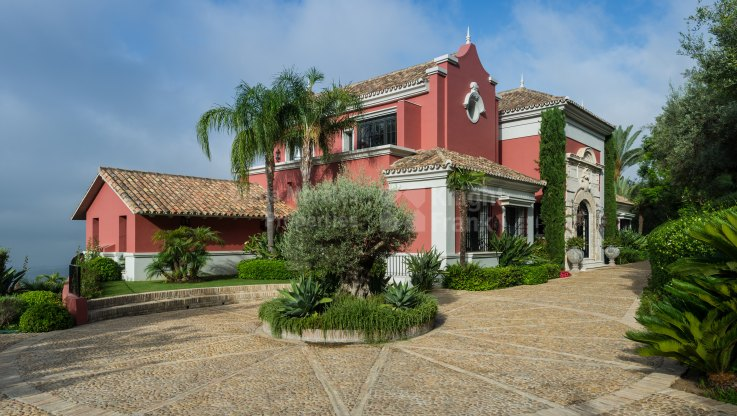 Outstanding estate in the exclusive community of La Zagaleta