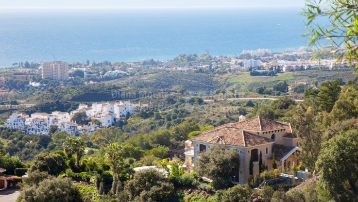 Los Altos de los Monteros, Outstanding Villa With Panoramic Views