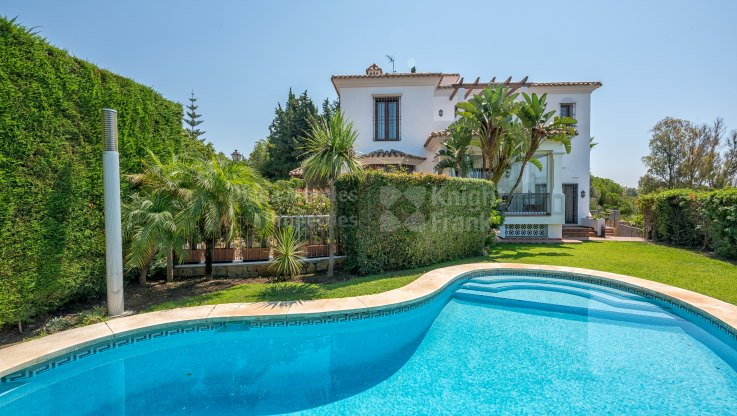 El Rosario, Villa with sea views