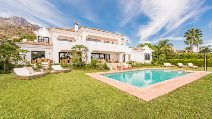 Seven bedroom villa for rent in Sierra Blanca