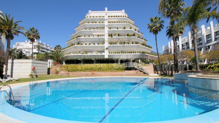 Marbella Centro, Second line beach apartment