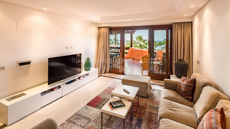 First Line Beach Single Level Penthouse - Penthouse for sale in Mar Azul, Estepona