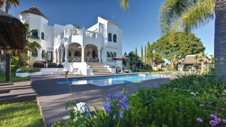 Benahavis, Family Villa with Fabulous Views