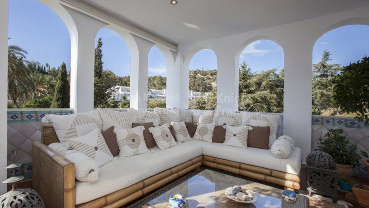 Frontline Golf Apartment within gated and tranquil complex - Apartment for sale in La Quinta, Benahavis