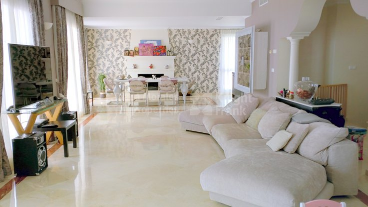 Villa with exceptional panoramic sea views - Villa for sale in Sierra Blanca Country Club, Istan