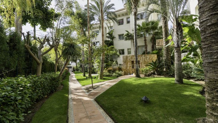 Splendid duplex penthouse with sea views - Duplex Penthouse for sale in Nagüeles, Marbella Golden Mile