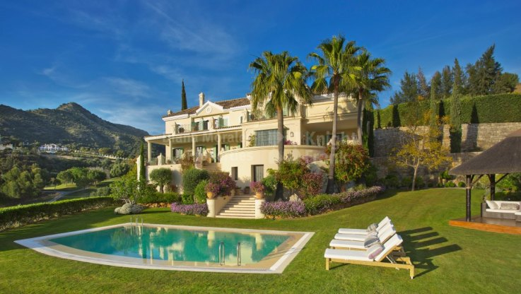 Outstanding Villa Within Golf Setting - Villa for sale in Marbella Club Golf Resort, Benahavis