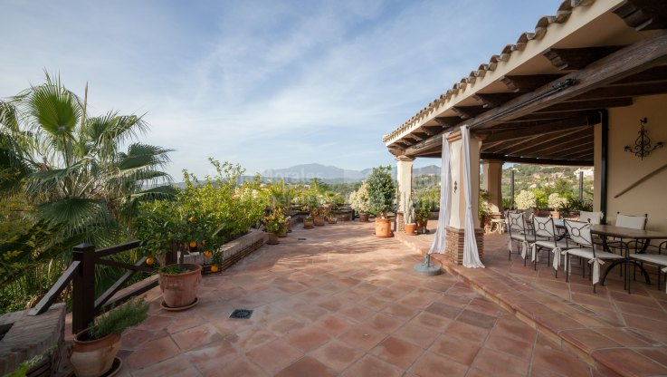 Villa with golf, mountain and countryside views - Villa for sale in Marbella Club Golf Resort, Benahavis