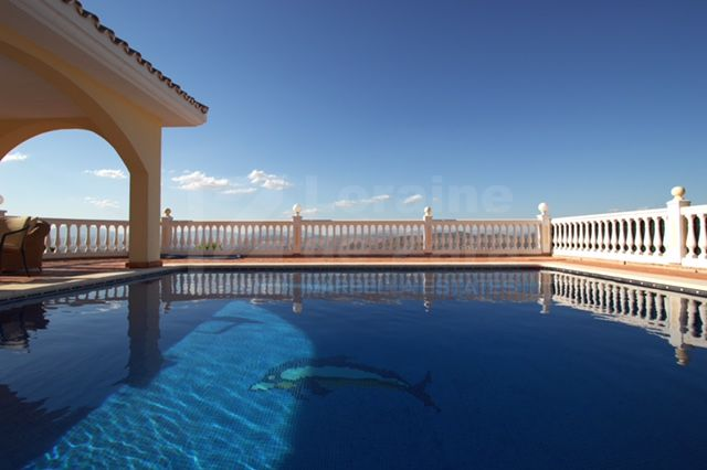 Great villa with views in Alhaurín el Grande