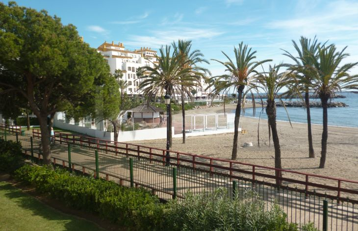 Wonderful apartment on beach front in Puerto Banús