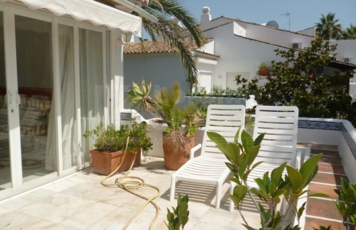 Spacious and bright apartment on the Golden Mile of Marbella