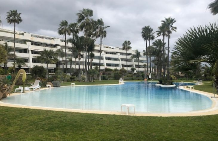 Spectacular apartment in Los Granados II, Marbella