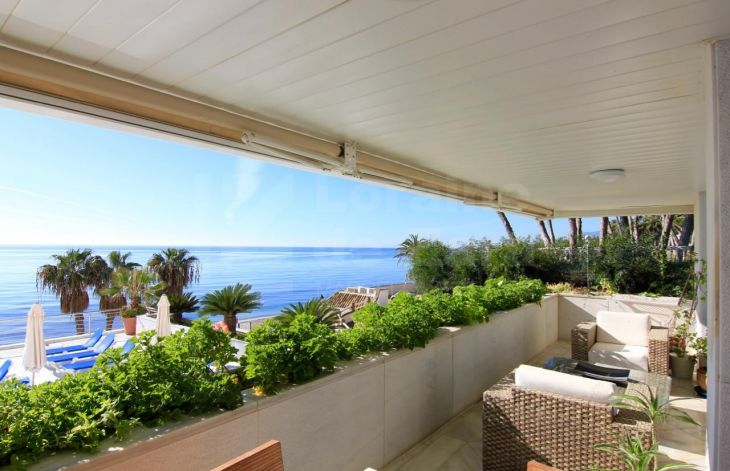 Beautiful 2 bedroom duplex on the beach front of Marbella