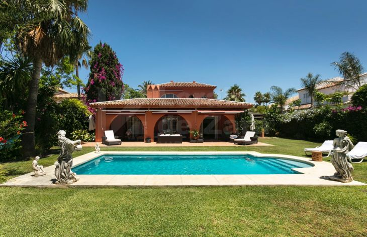 Charming 5 bedroom villa in Aloha Golf, Marbella